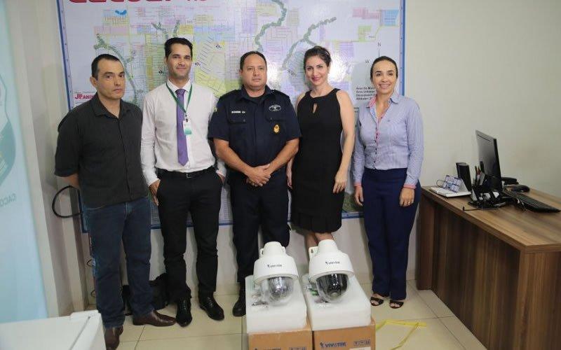 CrediSIS Leste aderiu ao projeto apresentado pela ACIC e doou o equipamento, considerado pelo 4°BPM 'presente de natal' para a cidade.